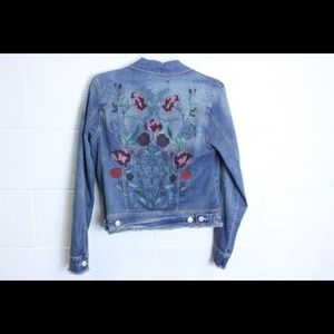 NEW NINE WEST Embroidered Denim Jacket-Size Small